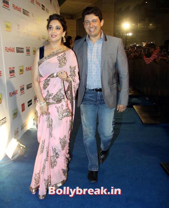 Madhuri Dixit and  Dr Sriram Nene, Filmfare party Candid Pics - Huma, Deepika, Sonam