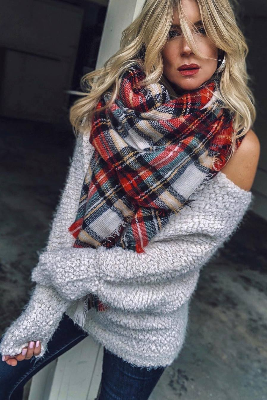 how to wear a plaid scarf : knit sweater and jeans