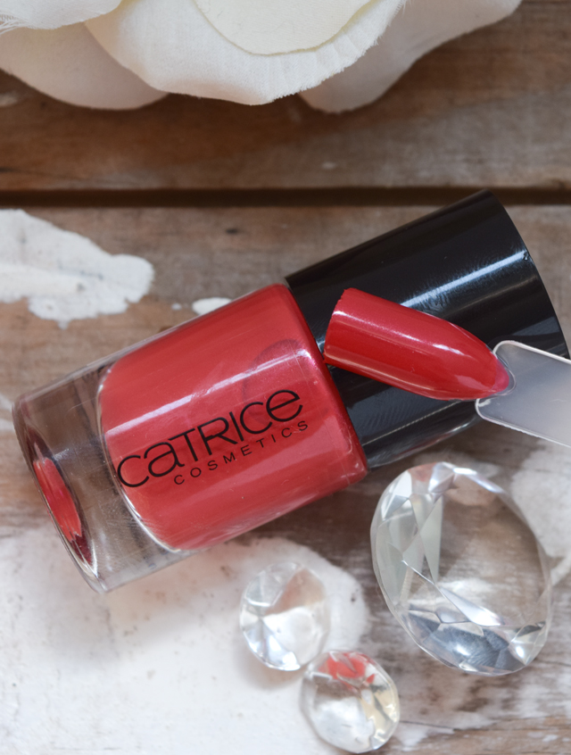 Swatch von catrice Nagellack 92 snow white's apple bite