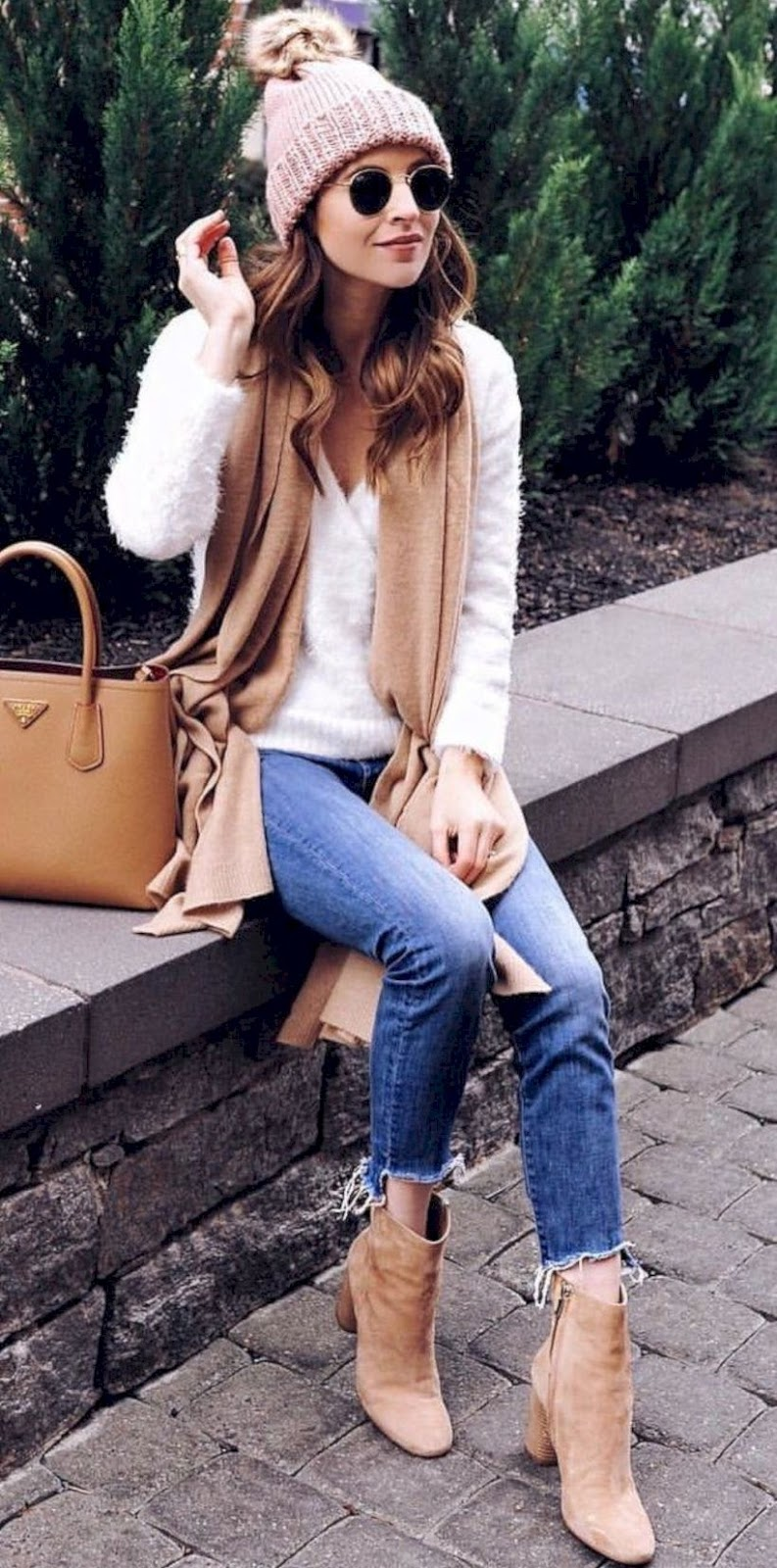 winter trends | nude boots + boyfriend jeans + bag + hat + white sweater + cashmere scarf