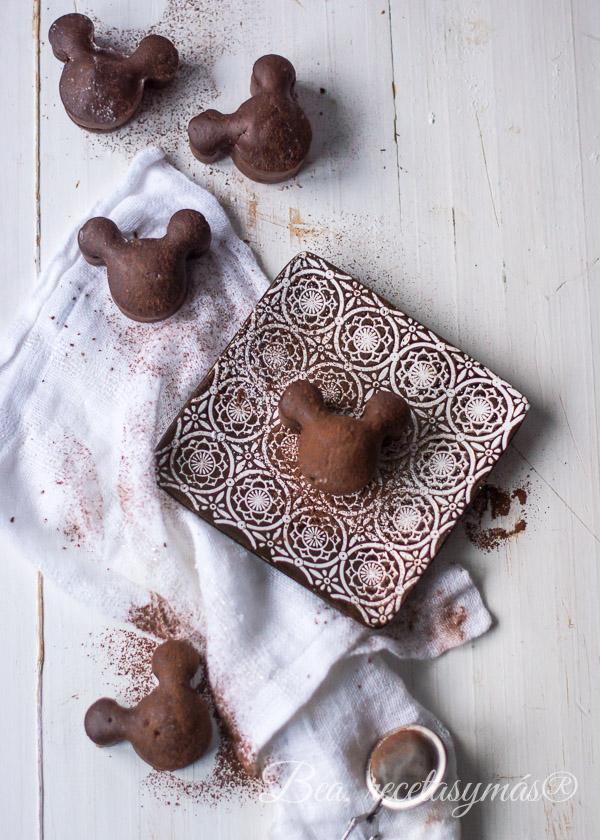 Mini bizcochos de chocolate a la taza