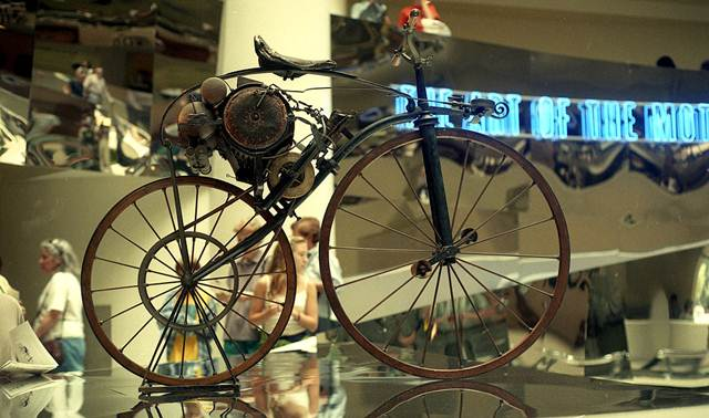 Sepeda Bermotor Pertama Di Dunia : Michaux-Perreaux Steam Velicipde