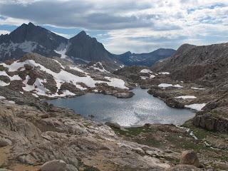Vorne Big Bear Lake und Seven Gables im Hintergrund