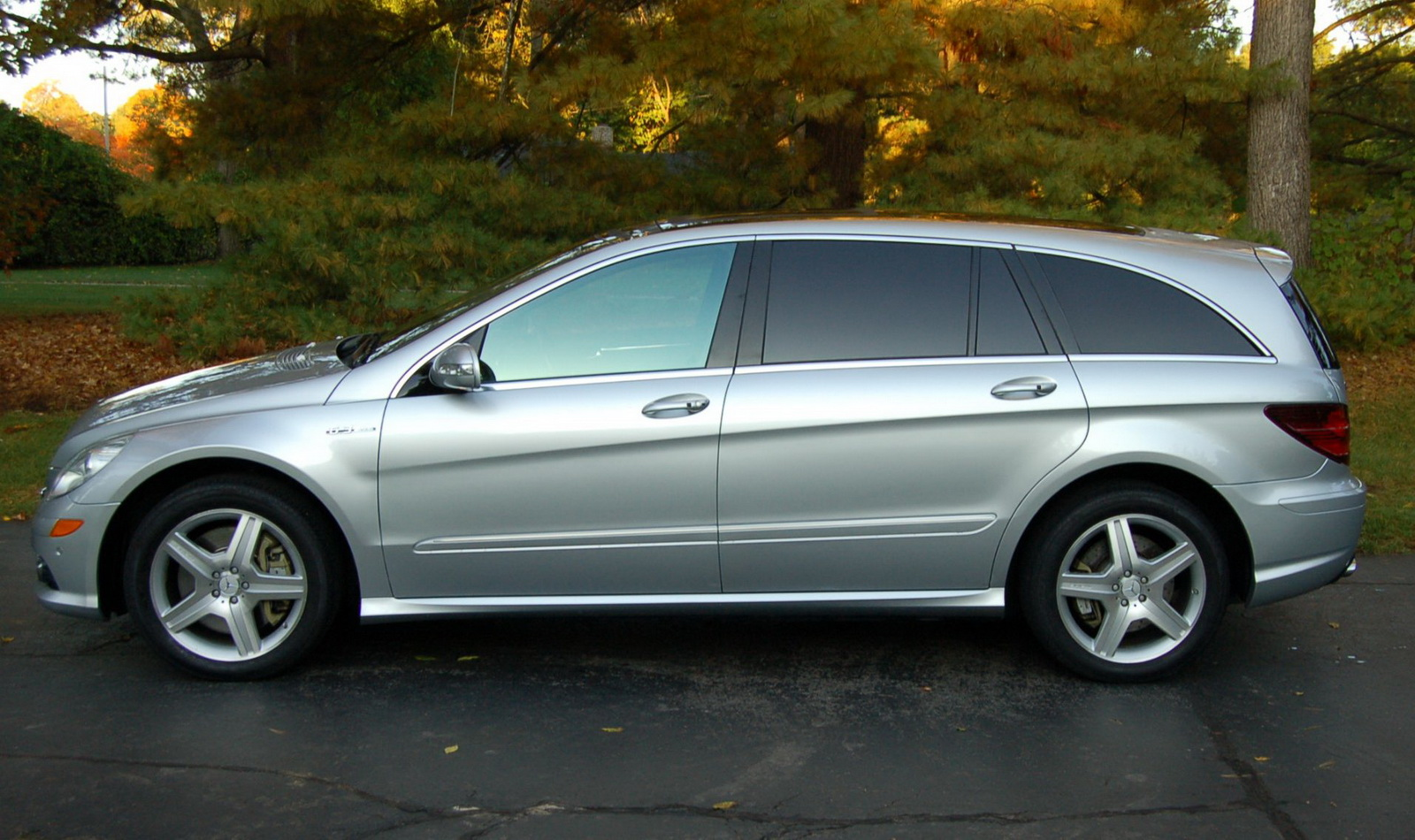 Looking For The Most Spacious Q Car Mercedes R63 Amg Hits