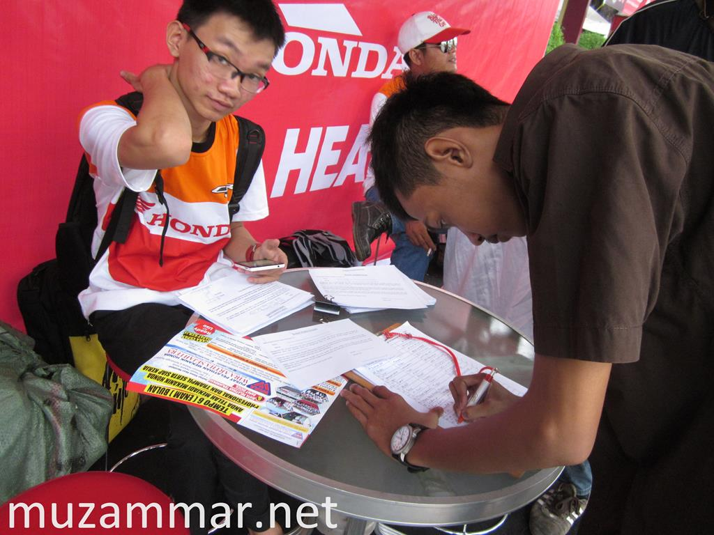 Test ride All New Honda CBR 150R . . . lebih enak main di RPM tinggi !