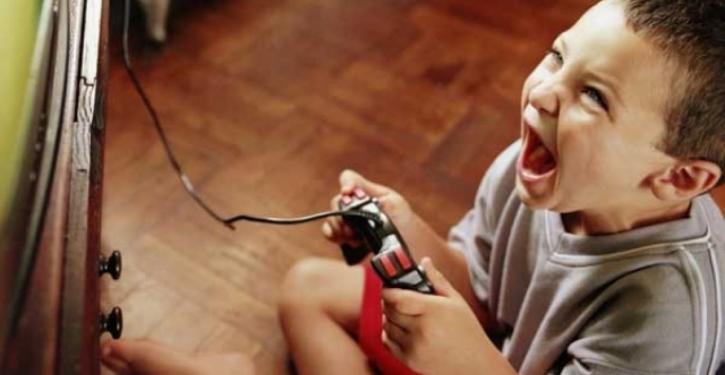 Video Games Make Kids More Aggressive And Violent!