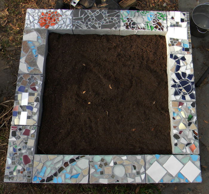 Concrete Block Garden Bed: Florida Survival Gardening: A Hugelkultur Cinderblock