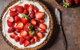 Συνταγή για το πιο εύκολο cheesecake φράουλα