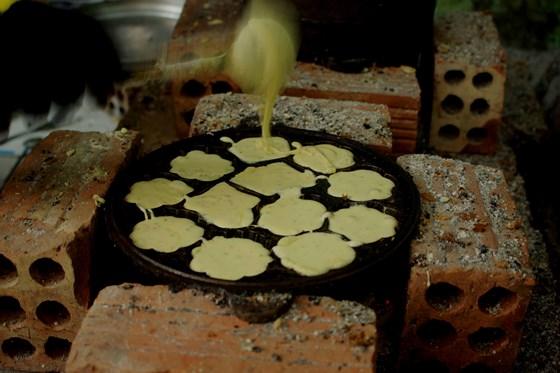 Làng đúc bánh thuẫn Quảng Ngãi vào tết