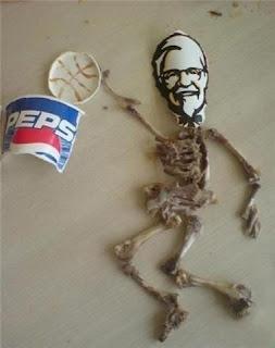 Ini Dia Kreasi Dari Tulang Ayam KFC, Bikin Ngakak!!!