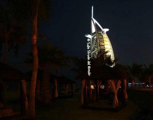 la vela, il grattacielo simbolo di Dubai
