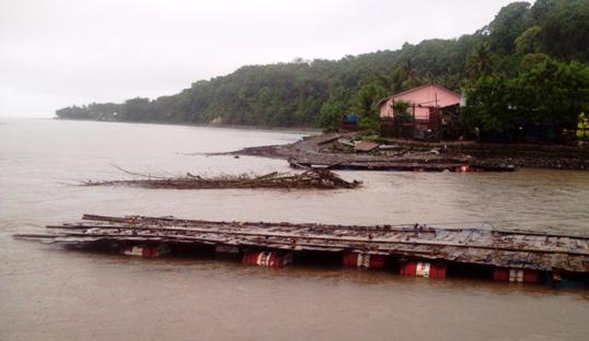 Jembatan Terapung S.Appabatu, selayar, Putus, Jalur ,Alternatif, Juga ,Ditutup Sementara