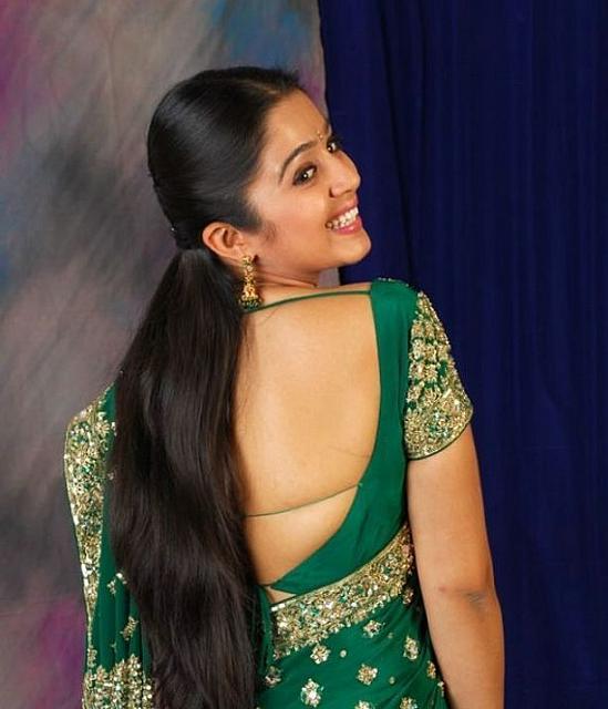 NISEWALLPAPERS: Actress Bare Back Stills