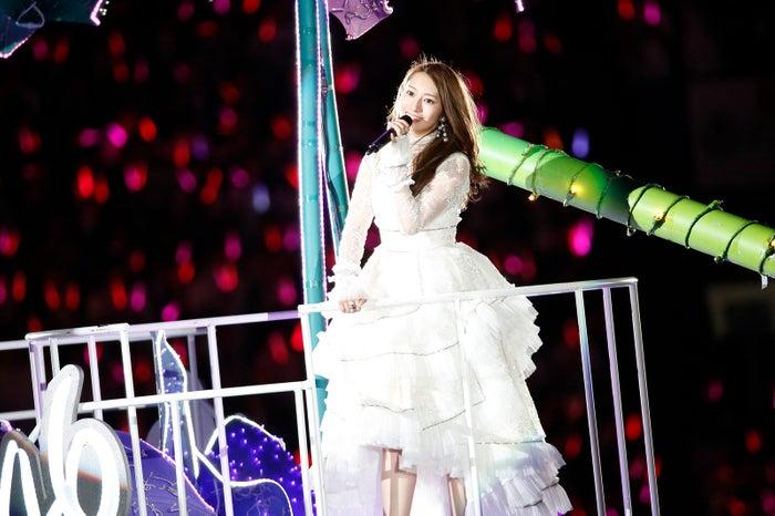 Penampilan Sakurai Reika saat membawakan lagu solonya