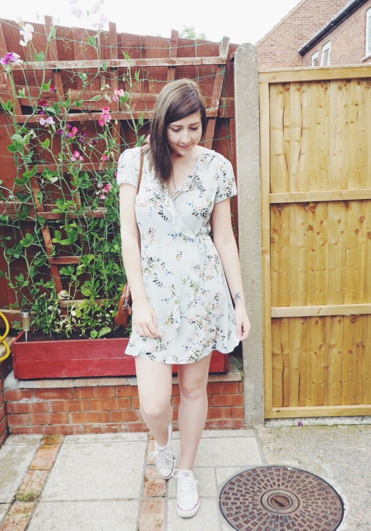 fbloggers, fashionbloggers, wiw, whatimwearing, ootd, outfitoftheday, lotd, lookoftheday, summerdress, primarkdress, asseeonme, asoscrossbodybag, floralwrapdress, primarkwrapdress