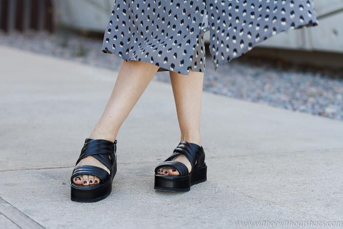 BLog influencer Adicta a los zapatos tendencias en calzado de la temporada a la que no te podrás resistir Los botines en animal print asimetricos