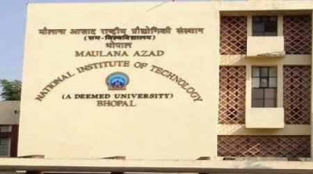 MANIT बाइक बैन: डायरेक्टर ने कहा मैं इस्तीफा दे देता हूं, छात्रों ने ताली बजाई
