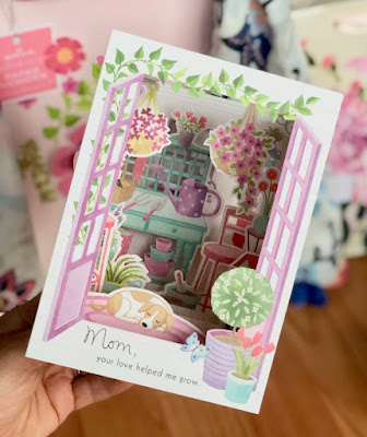 Hallmark Canada Mother's Day Paper Wonder Card
