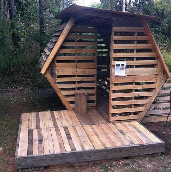 Desain rumah dari kayu pallet bekas