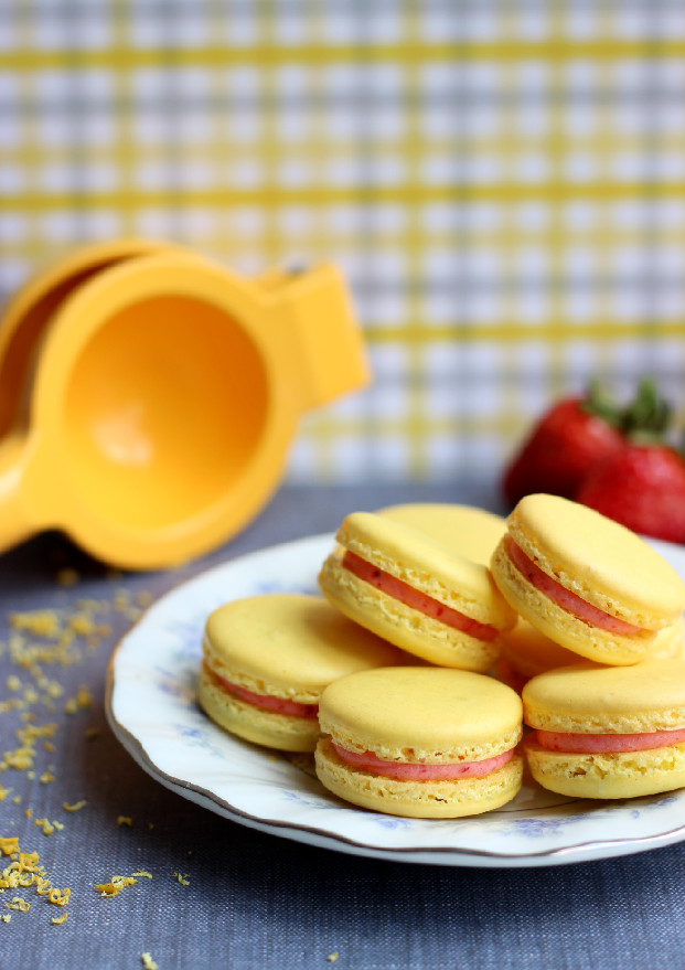 Strawberry Lemonade Macarons Oxospringcleaning Confessions Of A Confectionista