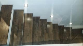 keksdose wir bauen ein pro haus kellertreppe fertig. Black Bedroom Furniture Sets. Home Design Ideas