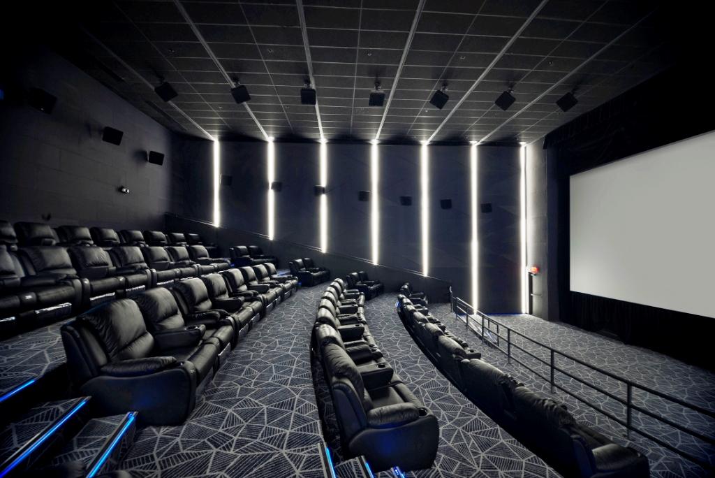 Manila Shopper Vista Cinemas Opens First And Only Mx4d
