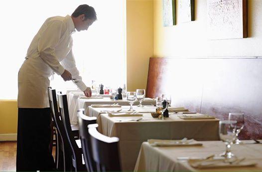 Los restaurantes cada vez tienen menos control sobre su negocio: ¿Cuánta gente vive de ellos?