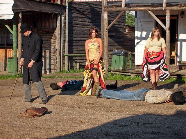 western city, kobiety, kowboje