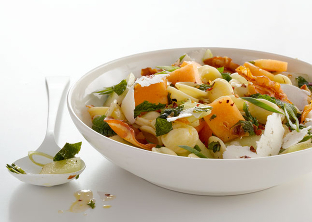 Pasta salad with Melon
