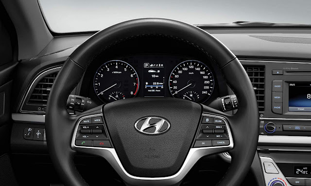 Hyundai New Elantra 2017 - painel