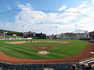 Home to center, People's Natural Gas Field