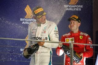 FÓRMULA 1 - Hamilton sigue ampliando la diferencia con Vettel en el GP de Singapur