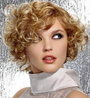 Gaya Rambut Keriting Paling Fresh Untuk Wanita