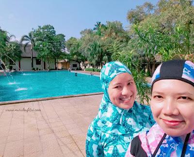bareng vera teman arisan tk alhaamidiyah di kolam renang ceria kukusan depok nurul sufitri blogger