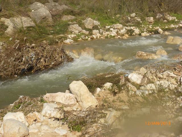 טיול חורפי בנחל מודיעים
