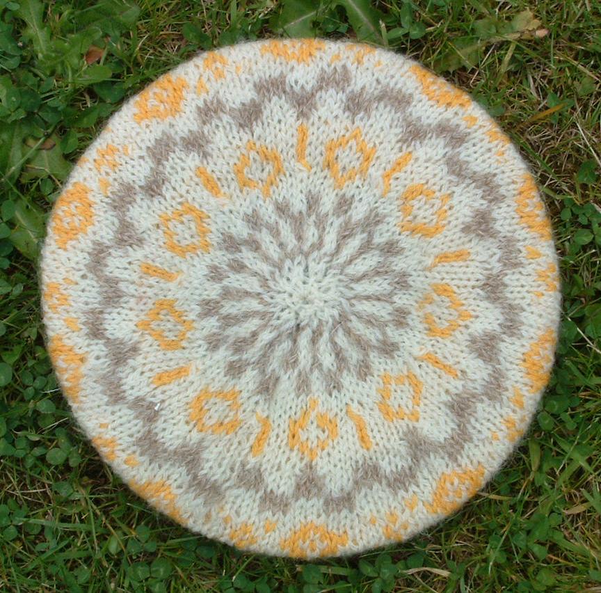 Joined-Up-Knitting  Hats off! Fair Isle beret meets Tam O Shanter 9f0224d88bc