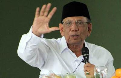 KH. Hasyim Muzadi Siap Bantu PDIP Kalahkan Ahok