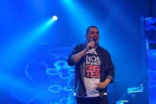 Shopping Grande Rio promove show de lançamento do primeiro EP do cantor Waguinho