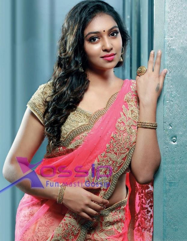 Mallufun.com: Lakshmi Menon