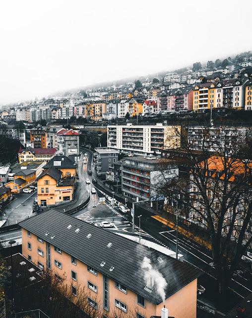 """<img src=""""Swizerland work visa.jpg"""" alt=""""works in Switzerland""""/>"""