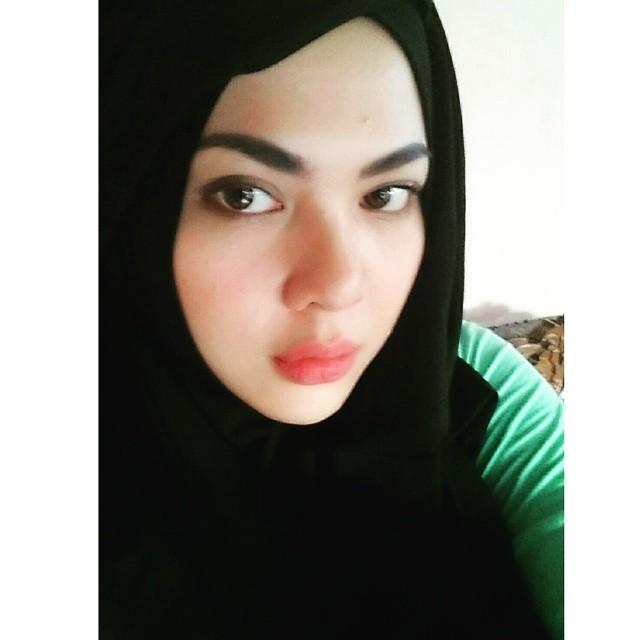 hijab wanita sholehah