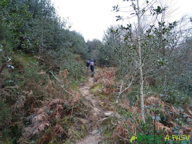 Ruta al Pico Gobia y La Forquita: Saliendo de la Biescona