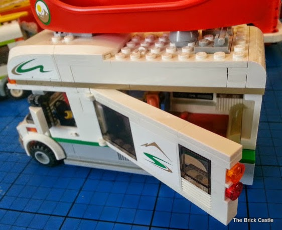 LEGO Camper Van model 60057 motorhome build