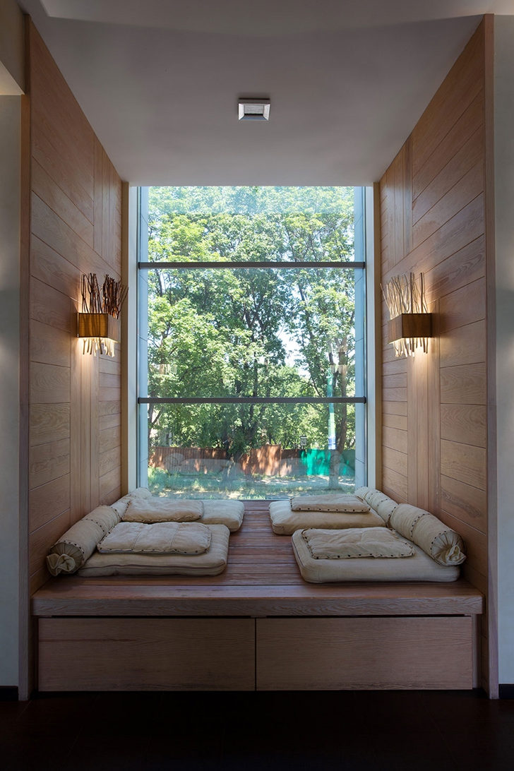 Window nook in Modern house by Yakusha Design