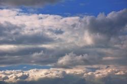 Wolkengebirgsketten am Horizont...