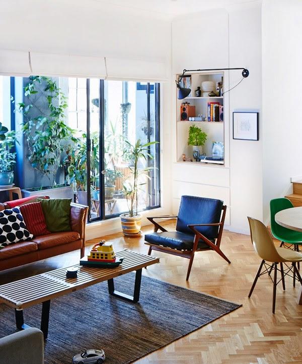 我們看到了。我們是生活 家。 光線明亮的兩房公寓,是澳洲電影導演scott Otto Anderson與製片設計師