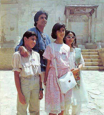 Amitabh with Children and wife