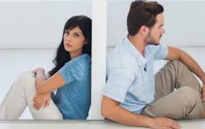 7 Hal yang Paling Sulit Dilupakan Wanita dari Cinta Pertama