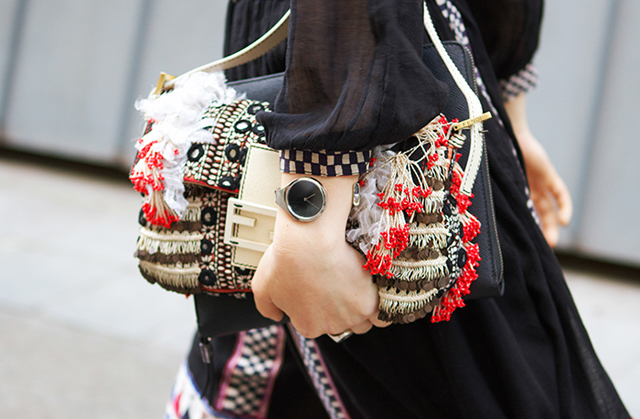 825f72021 Fashion Portfolio  Lujo debajo del brazo  la Baguette de Fendi