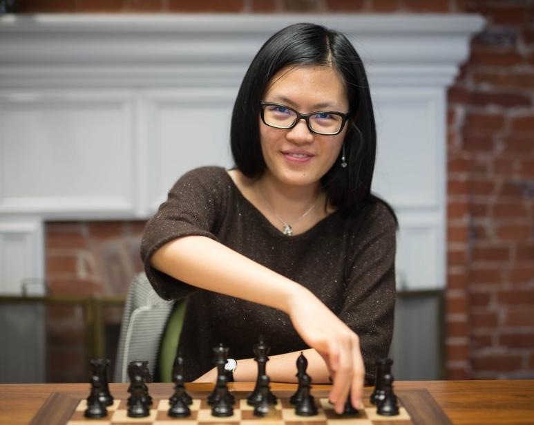 Hou Yifan regagne le titre de championne du monde féminin d'échecs - Photo © Chess & Strategy